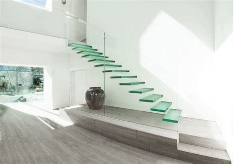 desain tangga melayang minimalis interior rumah