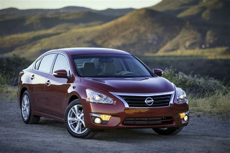 2015 Nissan Altima Front Three Quarter 03 Photo 124