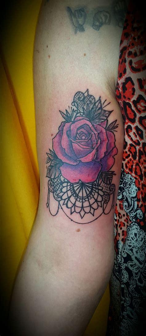 tattoo mandala y rosa las 25 mejores ideas sobre tatuajes de estr 237 as en