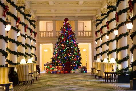 In The Decorations by 13 Hotel Lobbies Decorated For The 2017 Season
