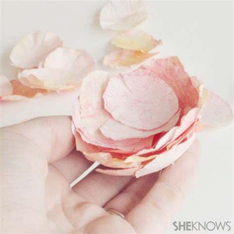 How To Make Paper Ranunculus - lovely crepe paper ranunculus flowers