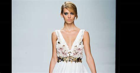 It Or Loathe It Minogue In Emanuel Ungaro Ss 07 by Fashion Week De La Retransmission Du D 233 Fil 233