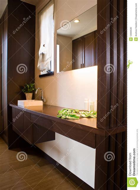badezimmer japanisch modernes japanisches badezimmer stockfoto bild 12669536