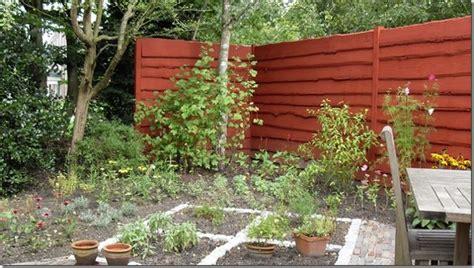 Holz Dauerhaft Lackieren by Sichtschutzzaun Streichen Holzzaun Streichen Sch 246 N Und