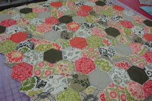 the quilt barn rag hexagon quilt