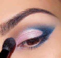 tutorial eyeliner untuk mata besar tutorial makeup natural untuk mata besar mugeek vidalondon