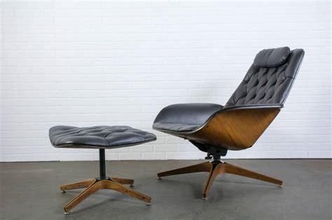 White Mid Century Modern Lounge Chair : Mid Century Modern