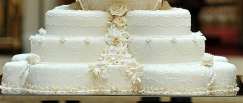 wedding beautiful royal wedding cake decoration