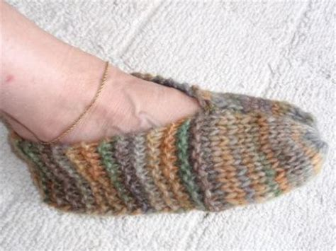 easy knit slipper pattern easy slippers knitting patterns free knitting and