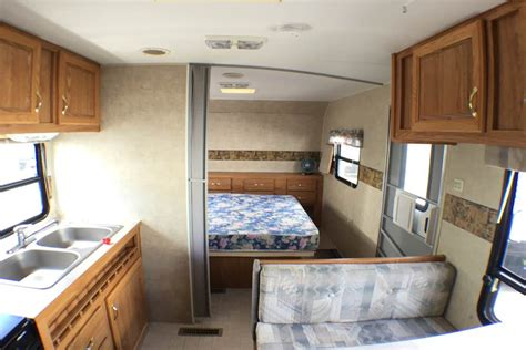 fleetwood pioneer travel trailer floor plans 2004 fleetwood pioneer travel trailer floor plans