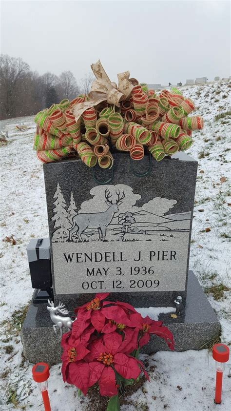 Gravesite Decorations Store by 1000 Ideas About Cemetery Decorations On