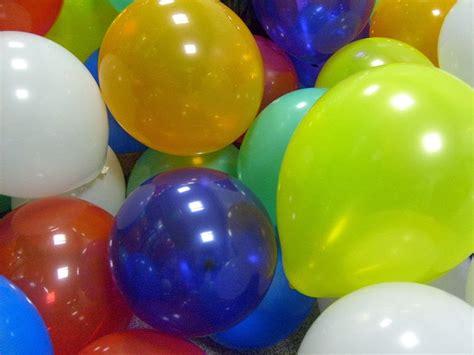 Mainan Jahil Permen Karet Setrum mainanserba500 bisnis permen mainan tetap kinclong sepanjang waktu