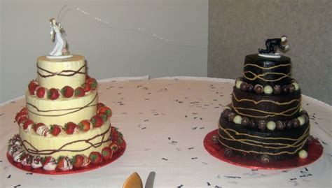his and hers wedding cakes his and hers wedding cakes s desserts