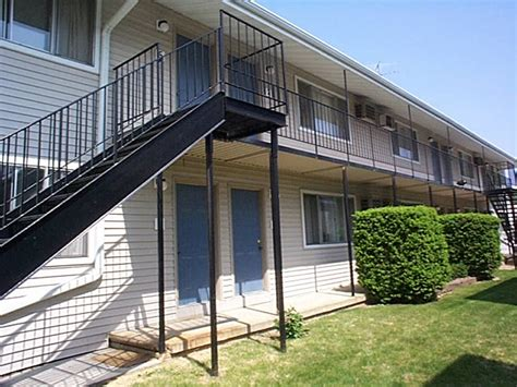 one bedroom apartments iowa city the north bay company iowa city apartment rentals