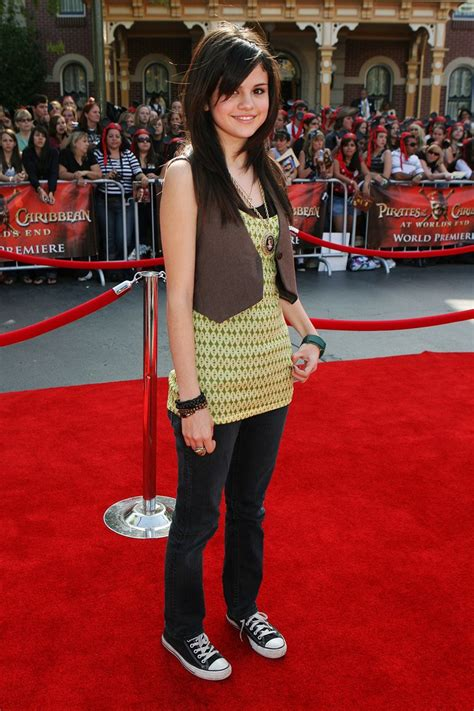 Miley Cyrus Vanity Fair 2008 Selena Gomez Stays On The Ball With Her Latest Look