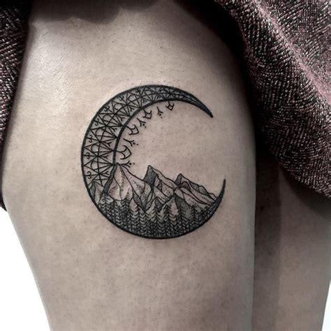 crescent tattoo designs best 25 crescent moon tattoos ideas on moon