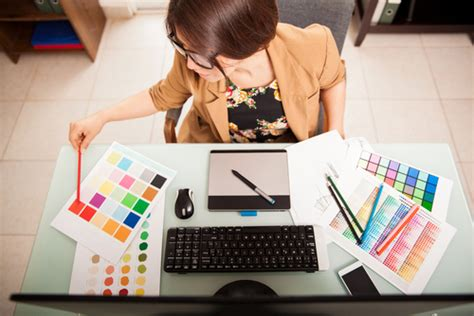 can graphic designers work from home graphic design