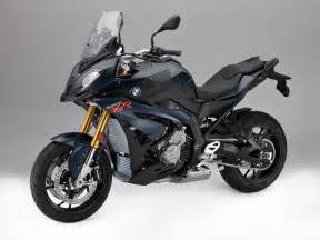 2017 bmw s 1000 xr look 5 fast facts