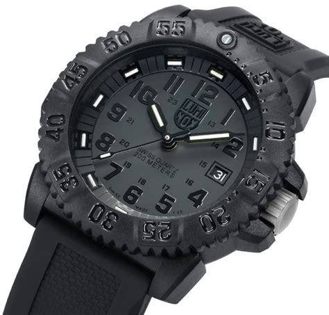 Luminox Black Shoot luminox evo navy seal 3051 blackout