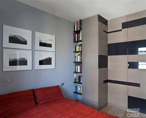 letti incassati ambienti contemporanei per una casa di taglio tradizionale