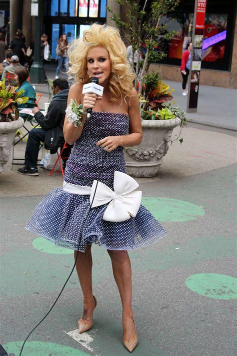jenny mccarthy prom jenny mccarthykick siriusxm s prom radio channel in new york