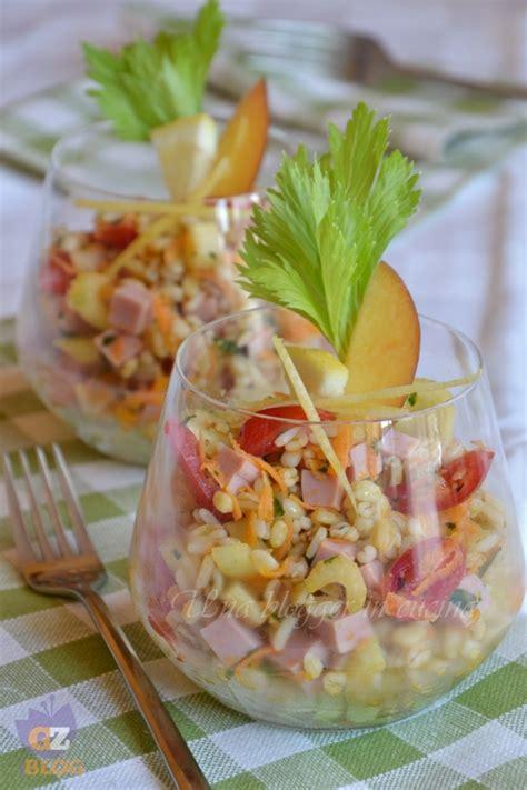 bicchieri cari insalata di cereali al bicchiere