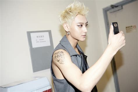chanyeol tattoo sticker smtown now photos from the lost planet in hong kong