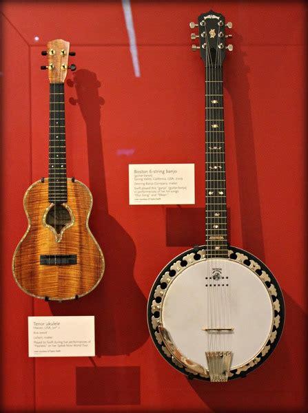 taylor swifts leilani tenor ukulele equipboard