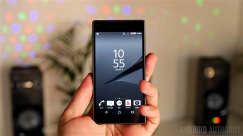 small android phones should more oems cater to the small smartphone segment