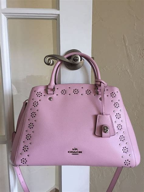Tas Coach Original Coach Kelsey Small Studded Border Black M collection coach border stud margot carryall petal pink f36640 ux ui designer studs