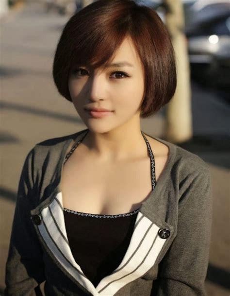 tips model rambut pendek  wajah bulat trend fashion