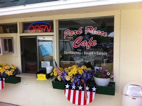 Restaurants Near Cadillac Mi by Park Place Cafe Restaurants 108 S Mitchell St