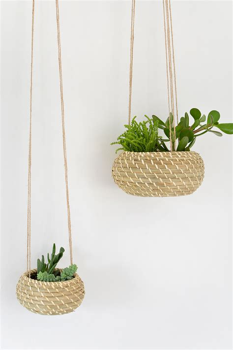 Hanging Planters | diy seagrass hanging planters burkatron