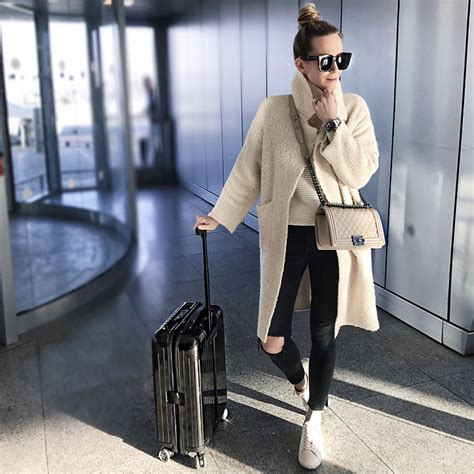 comfortable airport outfits travel style jfk gt lax brooklyn blonde bloglovin