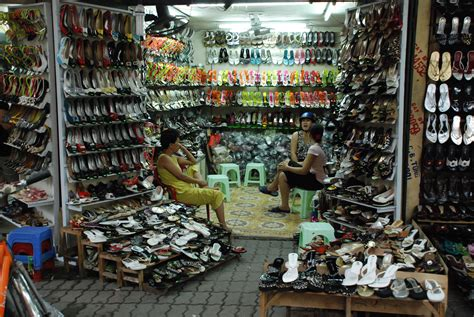 shoe shops file hanoi shoe shop jpg wikimedia commons