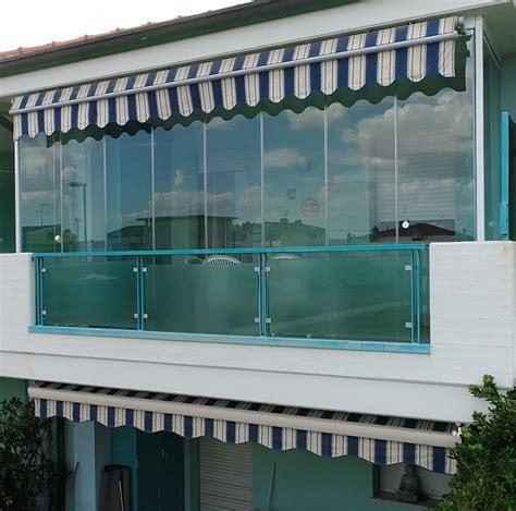 chiusura terrazzo chiusura balcone con le pareti frangivento