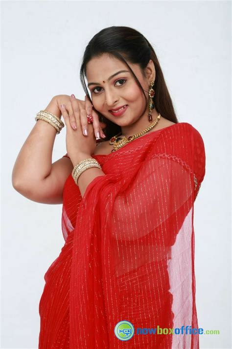 actress divya prabha indian actress in saree collection divya prabha actress