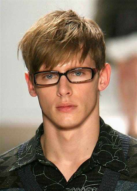 men angular fringe 20 angular fringe haircuts an unexpected 2017 trend