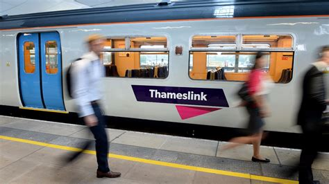 themes link train times thameslink has worst period for punctuality in at least