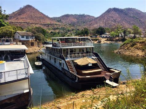 houseboat zambia kariba
