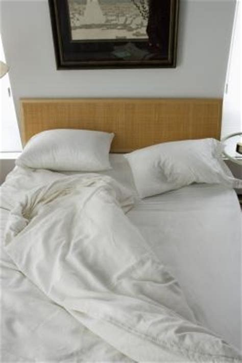 How Should You Keep A Comforter by How To Keep A Comforter In Place In A Duvet Cover Ehow