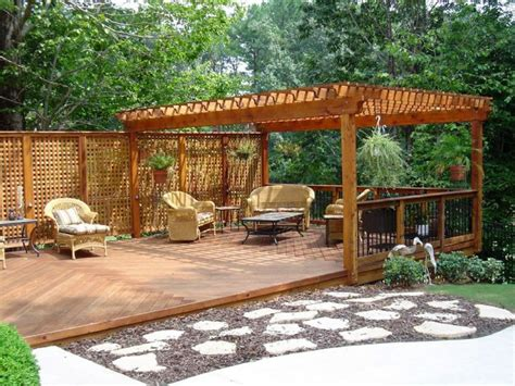 Backyard Deck Ideas Ground Level Ground Level Decks Here S A Ground Level Deck With A P