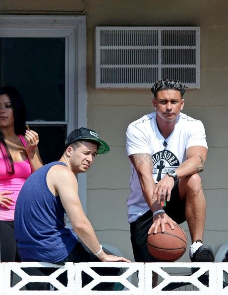 St Vinny 5 vinny guadagnino pictures the jersey shore cast hangs out zimbio