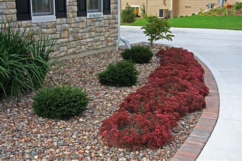 Landscape Fabric Before Or After Planting July Special Decorative 10 Mulching With