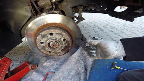 bremsscheiben wechseln wann bremsscheiben und bel 228 ge erneuern wechseln so wirds