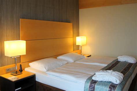 bett maritim maritim hotel d 252 sseldorf flughafen so nah und so fern