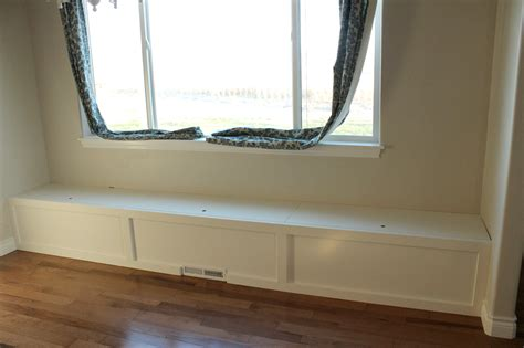 how to make a breakfast nook bench breakfast nook update the bench the wood grain cottage