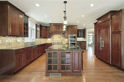 wood floors in kitchen with wood cabinets 43 quot new and spacious quot darker wood kitchen designs layouts