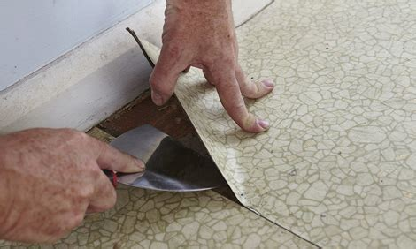 how to remove a section of laminate flooring how to remove vinyl floor bunnings warehouse