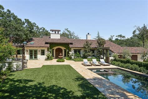 stephen curry s orinda home hits market for 3 9 million